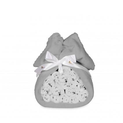 Tarta de pañales mantita gris